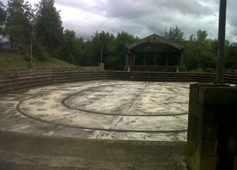 Anfiteatro abandonado