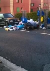 Trintxerpe invadido de basura