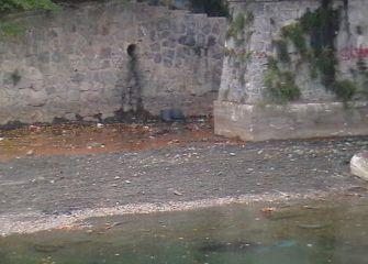 Basura al río