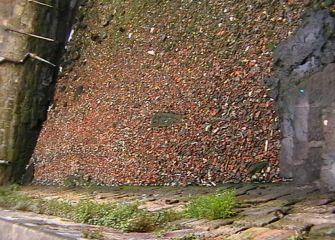 Escombrera en la bahía de Pasaia