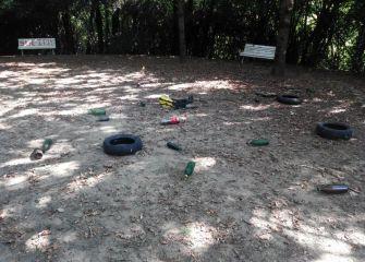 Parques abandonados por vagancia de FCC en Plaza Alkiza de Aiete