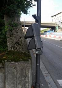Semáforo peatonal roto en Pío Baroja
