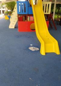 Parque infantil postbotellon