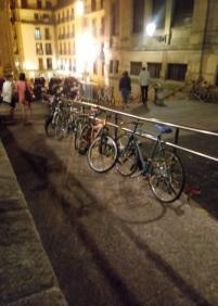 Aparcamiento de bicis indebido