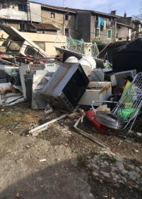 Vivir en un vertedero permitido por el Ayuntamiento de Andoain